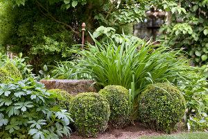 Bildno.: 11223704<br/><b>Feature: 11223659 - Green and Grand</b><br/>Romantic garden in Limburg, Belgium<br />living4media / Pietrek, Sibylle