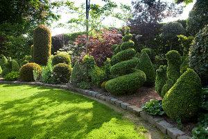 Bildno.: 11223846<br/><b>Feature: 11223835 - Woman's Touch</b><br/>Lush garden in the Netherlands<br />living4media / Pietrek, Sibylle