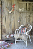Bildno.: 11250968<br/><b>Feature: 11250960 - Tea and Sympathy</b><br/>Tea time in a rustic environment<br />living4media / Revier 51