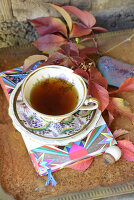 Bildno.: 11250970<br/><b>Feature: 11250960 - Tea and Sympathy</b><br/>Tea time in a rustic environment<br />living4media / Revier 51