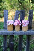 Bildnr.: 11252344<br/><b>Feature: 11252336 - Apfelb&#228;ckchen</b><br/>Apfelernte mit Picknick in Bullerb&#252;<br />living4media / Syl Loves