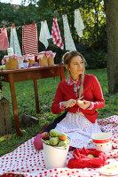 Bildnr.: 11252348<br/><b>Feature: 11252336 - Apfelb&#228;ckchen</b><br/>Apfelernte mit Picknick in Bullerb&#252;<br />living4media / Syl Loves
