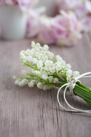 Bildno.: 11261878<br/><b>Feature: 11261856 - Lily of the Valley</b><br/>Use the flowers of May to decorate and inspire your cuisine<br />living4media / Schindler, Martina