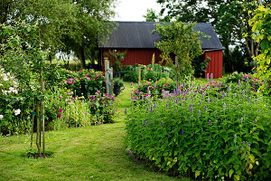 Bildno.: 11271986<br/><b>Feature: 11271958 - Swedish Garden</b><br/>Garden in Lynga<br />living4media / M&#246;ller, Cecilia