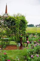 Bildno.: 11271996<br/><b>Feature: 11271958 - Swedish Garden</b><br/>Garden in Lynga<br />living4media / M&#246;ller, Cecilia