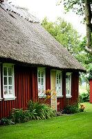 Bildno.: 11272018<br/><b>Feature: 11271958 - Swedish Garden</b><br/>Garden in Lynga<br />living4media / M&#246;ller, Cecilia