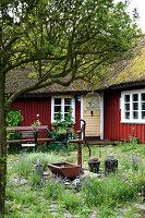 Bildno.: 11272030<br/><b>Feature: 11271958 - Swedish Garden</b><br/>Garden in Lynga<br />living4media / M&#246;ller, Cecilia