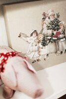 Bildno.: 11282258<br/><b>Feature: 11282243 - Home for Christmas</b><br/>Christmas decorating Swedish style<br />living4media / IBL Bildbyra AB / Angelica, S&#246;derberg