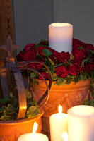 Bildno.: 11295650<br/><b>Feature: 11295646 - The Way of the Rose</b><br/>Festive d&#233;cor using roses<br />living4media / Great Stock!