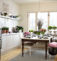 Bildno.: 11302232<br/><b>Feature: 11302230 - Swedish Sophistication</b><br/>Swedish home decorated with objects from all over the world<br />living4media / IBL Bildbyra AB / Ericsson, Peter