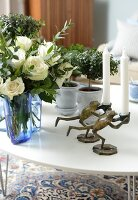 Bildno.: 11302246<br/><b>Feature: 11302230 - Swedish Sophistication</b><br/>Swedish home decorated with objects from all over the world<br />living4media / IBL Bildbyra AB / Ericsson, Peter