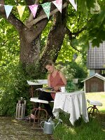 Bildno.: 11302336<br/><b>Feature: 11302300 - Near to Nature</b><br/>Swedish house contains an eclectic mix of old and new furniture<br />living4media / IBL Bildbyra AB / Ericsson, Peter