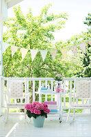 Bildnr.: 11303462<br/><b>Feature: 11303430 - Pastell-Palast</b><br/>Romantik, Moderne und Nostalgie im Hause des Urgro&#223;vaters, Norwegen<br />living4media / M&#246;ller, Cecilia