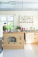 Bildnr.: 11303464<br/><b>Feature: 11303430 - Pastell-Palast</b><br/>Romantik, Moderne und Nostalgie im Hause des Urgro&#223;vaters, Norwegen<br />living4media / M&#246;ller, Cecilia