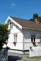 Bildnr.: 11303500<br/><b>Feature: 11303430 - Pastell-Palast</b><br/>Romantik, Moderne und Nostalgie im Hause des Urgro&#223;vaters, Norwegen<br />living4media / M&#246;ller, Cecilia