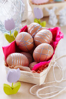 Bildno.: 11305288<br/><b>Feature: 11305280 - Precious Pastels</b><br/>Turn Easter into a do-it-yourself fest<br />living4media / Taube, Franziska
