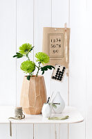Bildno.: 11305848<br/><b>Feature: 11305840 - The Greening Touch</b><br/>Green flowers add a special kick to any room<br />living4media / Weber, Cornelia