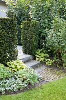 Bildnr.: 11306132<br/><b>Feature: 11306129 - Die feine englische Art</b><br/>Traumgarten im Englischen Stil, Belgien<br />living4media / Herwig, Modeste