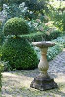 Bildnr.: 11306168<br/><b>Feature: 11306129 - Die feine englische Art</b><br/>Traumgarten im Englischen Stil, Belgien<br />living4media / Herwig, Modeste