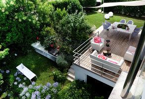 Bildnr.: 11321736<br/><b>Feature: 11321705 - Ein architektonischer W&#252;rfel</b><br/>Selbstdesigntes Haus mit ausgedehntem Aussenbereich f&#252;r die Freizeit, Italien<br />living4media / Rizzi, Laura