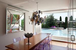 Bildnr.: 11321742<br/><b>Feature: 11321705 - Ein architektonischer W&#252;rfel</b><br/>Selbstdesigntes Haus mit ausgedehntem Aussenbereich f&#252;r die Freizeit, Italien<br />living4media / Rizzi, Laura