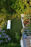 Bildnr.: 11321772<br/><b>Feature: 11321705 - Ein architektonischer W&#252;rfel</b><br/>Selbstdesigntes Haus mit ausgedehntem Aussenbereich f&#252;r die Freizeit, Italien<br />living4media / Rizzi, Laura
