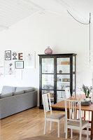 Bildnr.: 11321974<br/><b>Feature: 11321942 - Grafisches Nordlicht</b><br/>Modern, kreativ und schwarz-wei&#223;: So lebt eine junge Familie in Schweden<br />living4media / M&#246;ller, Cecilia