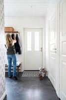 Bildnr.: 11321990<br/><b>Feature: 11321942 - Grafisches Nordlicht</b><br/>Modern, kreativ und schwarz-wei&#223;: So lebt eine junge Familie in Schweden<br />living4media / M&#246;ller, Cecilia