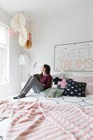 Bildnr.: 11325194<br/><b>Feature: 11325156 - Blogger-Style</b><br/>Das Zuhause von Bloggerin Tina in Kopenhagen ist eine wahre Inspirationsquelle!<br />living4media / Klazinga, Jansje