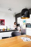 Bildno.: 11326360<br/><b>Feature: 11326350 - Guiding LIne</b><br/>Total revamp of house in Holland<br />living4media / Klazinga, Jansje