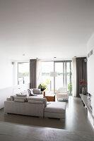 Bildno.: 11326370<br/><b>Feature: 11326350 - Guiding LIne</b><br/>Total revamp of house in Holland<br />living4media / Klazinga, Jansje
