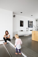 Bildno.: 11326374<br/><b>Feature: 11326350 - Guiding LIne</b><br/>Total revamp of house in Holland<br />living4media / Klazinga, Jansje