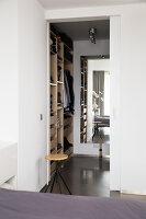 Bildno.: 11326390<br/><b>Feature: 11326350 - Guiding LIne</b><br/>Total revamp of house in Holland<br />living4media / Klazinga, Jansje