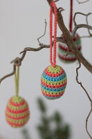 Bildno.: 11330220<br/><b>Feature: 11330203 - Welcoming the Easter Bunny</b><br/>Decorate for the Easter holidays using coloured eggs and miniature rabbits<br />living4media / Laing, Ruth