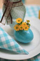 Bildno.: 11330252<br/><b>Feature: 11330203 - Welcoming the Easter Bunny</b><br/>Decorate for the Easter holidays using coloured eggs and miniature rabbits<br />living4media / Laing, Ruth