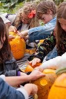 Bildno.: 11345930<br/><b>Feature: 11345897 - Pumpkin Party</b><br/>Pumpkins and Jack-o&#39;-Lanterns<br />living4media / Klazinga, Jansje