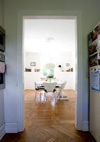 Bildno.: 11346398<br/><b>Feature: 11346397 - Copenhagen Classic</b><br/>A classic villa in Copenhagen, Denmark<br />living4media / Lene-K