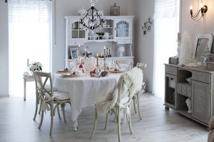 Bildno.: 11349466<br/><b>Feature: 11349445 - Holiday Romance</b><br/>Shabby-chic house in Koblenz, Germany<br />living4media / Craven, Dorothea