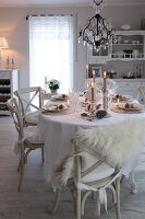 Bildno.: 11349484<br/><b>Feature: 11349445 - Holiday Romance</b><br/>Shabby-chic house in Koblenz, Germany<br />living4media / Craven, Dorothea