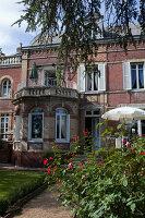 Bildno.: 11350810<br/><b>Feature: 11350807 - Romantic Setting</b><br/>A romantic villa in Rouen, France<br />living4media / Hallot, Olivier