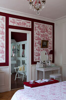 Bildno.: 11350836<br/><b>Feature: 11350807 - Romantic Setting</b><br/>A romantic villa in Rouen, France<br />living4media / Hallot, Olivier