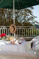 Bildno.: 11350840<br/><b>Feature: 11350807 - Romantic Setting</b><br/>A romantic villa in Rouen, France<br />living4media / Hallot, Olivier