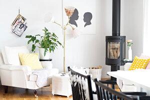 Bildnr.: 11352794<br/><b>Feature: 11352784 - Am Puls der Zeit</b><br/>Die Designerin Elise liebt den skandinavischen Grafik-Stil<br />living4media / M&#246;ller, Cecilia