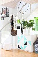 Bildnr.: 11352802<br/><b>Feature: 11352784 - Am Puls der Zeit</b><br/>Die Designerin Elise liebt den skandinavischen Grafik-Stil<br />living4media / M&#246;ller, Cecilia