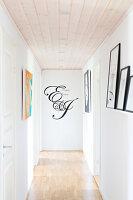 Bildnr.: 11352806<br/><b>Feature: 11352784 - Am Puls der Zeit</b><br/>Die Designerin Elise liebt den skandinavischen Grafik-Stil<br />living4media / M&#246;ller, Cecilia