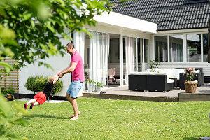 Bildnr.: 11352848<br/><b>Feature: 11352784 - Am Puls der Zeit</b><br/>Die Designerin Elise liebt den skandinavischen Grafik-Stil<br />living4media / M&#246;ller, Cecilia