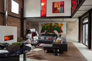 Bildnr.: 11358036<br/><b>Feature: 11358017 - Graffitis im Loft</b><br/>Franz&#246;sisches Loft mit einem Hang zur Extravaganz<br />living4media / Hallot, Olivier