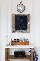 Bildnr.: 11358134<br/><b>Feature: 11358121 - Strandcottage</b><br/>Anne hat ihr kleines Haus in klassisch maritimen Stil eingerichtet, Norwegen<br />living4media / Annette &amp; Christian