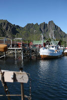 Zdjęcie numer: 11370612<br/><b>Feature: 11370542 - Heaven and Harbour</b><br/>The art of living in Norway&#39;s Lofoten Islands<br />living4media / Nordstrom, Annette