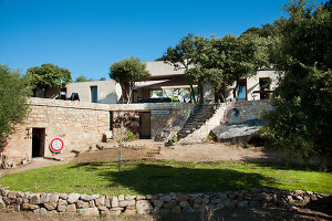 Bildno.: 11389068<br/><b>Feature: 11389067 - Open to the Wind</b><br/>House in the heart of Corsica<br />living4media / Madamour, Christophe